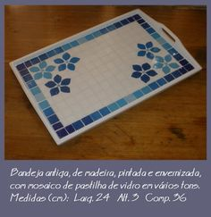 deja Mosaic Tray, Mosaic Pots, Mosaic Garden, Mosaic Tiles, Mosaic Crafts, Mosaic Projects, Stained Glass Projects, Projects To Try, Mosaic Tile Designs