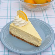 Meyer Lemon Cheesecake and Recipe Sharing in Rome - Food Lover& . Cheesecake Sem Lactose, Dairy Free Cheesecake, Cheesecake Frio, Lemon Cheesecake Recipes, Healthy Desserts, Just Desserts, Delicious Desserts, Yummy Food, Meyer Lemon Recipes