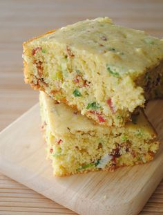 Bacon-Scallion Cornbread ~ This recipe would also work well using a muffin pan