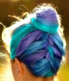 lila, türkis, blau Flechtfrisur haircolor