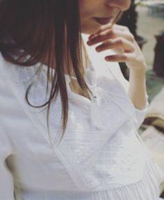 Detalles... #ropaparaembarazadas #ropapremama #modaparaembarazadas #modapremama #embarazo #embarazada #maternitystyle #maternitywear #premama #pregnant #pregnancy #ohmabarcelona #ohma #blusapremama #detalles #paramama #futuramama #futuramadre