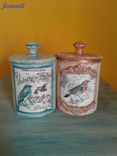 Chicken Painting, Reduce Reuse Recycle, Altered Bottles, Gisele, Bottle Art, Tins, Mason Jars, Recycling, Decorative Boxes