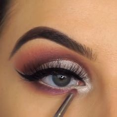 eyemakeupvideo makeupvideo eyemakeuptutorial is part of Eye makeup - Makeup 101, Makeup Goals, Skin Makeup, Makeup Inspo, Eyeshadow Makeup, Makeup Inspiration, Maquillage On Fleek, Make Up Tricks, Pretty Makeup