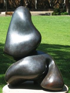 "Jean Arp, ""Fruit hybrid dit la pagode"" (""Hybrid Fruit Called Pagoda"")(1934), bronze:"
