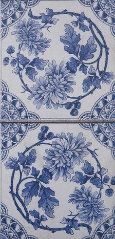 Delft Wreath Blue