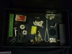 Singer-Featherweight-Model-221-1-Sewing-Machine-with-Case-Extras-1950