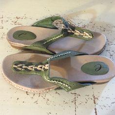 Easy Spirit Sandles Easy Spirit sandals, worn twice, good condition, see photos for exact condition, no box, size 11. Easy Spirit Shoes Sandals