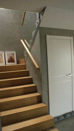 Awesome 43 Vintage Minimalist Home Stair Design Ideas That Look More Cool For Future Home Home Stairs Design, Dream Home Design, Stair Design, Minimalist Interior, Minimalist Home, Site Plan Design, Design Ideas, Stone House Plans, Stairway Decorating