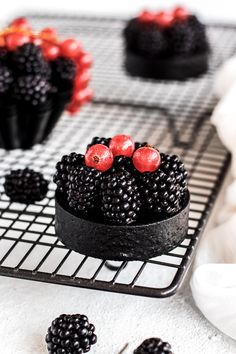 Cupcake Cakes, Cupcakes, Cheesecakes, Blackberry, Panna Cotta, Food Photography, Cookies, Fruit, Treats
