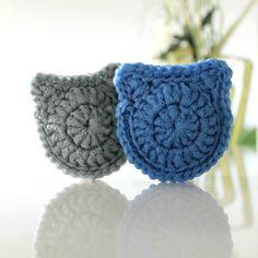 CAT Scrubbie - Tampons à récurer CHATS Crochet Fish, Knit Or Crochet, Crochet Flowers, Free Crochet, Crochet Hats, Crochet Dish Scrubber, Crochet Dishcloths, Half Double Crochet, Single Crochet