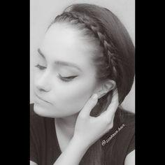 """51 kedvelés, 0 hozzászólás – Szabó Éva Fodrász (@szaboeva.hair) Instagram-hozzászólása: """"𝑩𝒓𝒂𝒊𝒅𝒆𝒅 𝑯𝒆𝒂𝒅𝒃𝒂𝒏𝒅 . #haj #fodrász #frizura #szaboevahair #mutiahajad #fonas #hajfonás #braid…"""""""