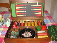 VINTAGE BAKELITE CATALIN GAME SET WITH ROULETTE BACKGAMMON CRIBBAGE AND MORE