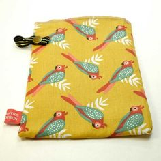Solid Shampoo, Boutique Etsy, Towel Holder, Handmade Items, Handmade Gifts, Rubber Bands, Parrot, Bamboo, Coin Purse