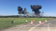 Plane hits cars as it crashes onto major road at Shoreham Airshow - http://www.baindaily.com/plane-hits-cars-as-it-crashes-onto-major-road-at-shoreham-airshow/