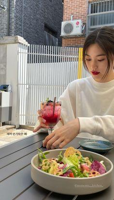 Kim Doyeon, Purple Wallpaper Iphone, Bellisima, Potato Salad, Serving Bowls, Taehyung, Kpop, Ethnic Recipes, Tableware