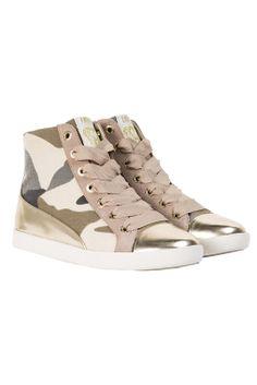Liu Jo Sneaker € www. Liu Jo, High Tops, High Top Sneakers, Park, Shoes, Fashion, Moda, Zapatos, Shoes Outlet
