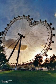 Heart carrousel discovered by Sony Domm on We Heart It I Love Heart, With All My Heart, Happy Heart, Humble Heart, Heart In Nature, Heart Art, Carrousel, Carnival Rides, Carnival Girl