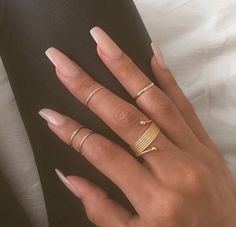 Image via We Heart It #beautiful #beauty #love #nails #tan #tumblr