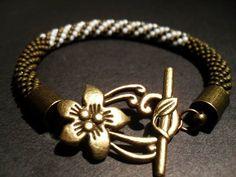 #toho #beads #flower #olive