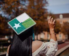 Caitlin's glitter North Texas flag with pearls graduation cap design #graduation #graduate #graduationcap #unt #universityofnorthtexas #2017