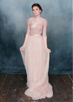 comprar Tul con Encanto y de encaje con cuello en V Una línea de vestidos de novia de descuento en Magbridal.com