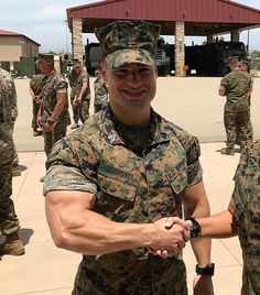 Marines are the sexiest creatures on earth 😍 Goddamn. Marines are the sexiest creatures on earth 😍 Sexy Military Men, Army Men, Hot Cops, Hunks Men, Mein Style, Muscle Hunks, Hommes Sexy, Men In Uniform, Teen Boys