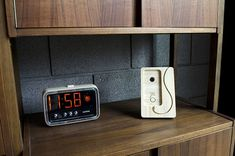 A bamboo charging dock, the Chisel 6 gives you a place to cradle your iPhone 6 and Lightning cable, all while making the pairing look like tabletop decoration. Iphone Stand, Iphone 6, Android Camera, Camera Rig, Iphone Accessories, Digital Alarm Clock, Cool Gadgets, Cool Gifts, Bamboo