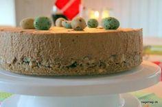Den nemmeste og lækre kage med nougatmousse, nødder og kiksebund - fløjlsblød, knasende og skøn ♥ Her som fødselsdagskage♥ Nemt og hurtigt - og SÅ lækkert ♥