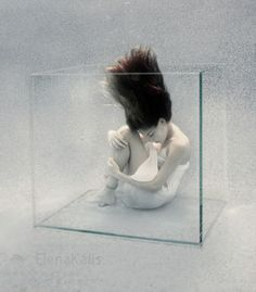 Underwater Photography by Elena Kalis http://www.cruzine.com/2012/11/22/underwater-photography-elena-kalis/