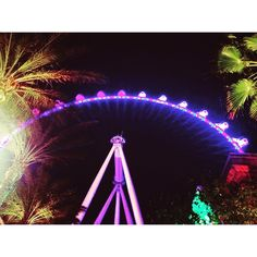 That is a sight to see and experience @thelinq. #ferriswheel #vegas #highroller #thelinq #flyinghigh #whatabeauty #tourist #worklife #ceasarentertainment #lasvegas #linqhotel #photogrid