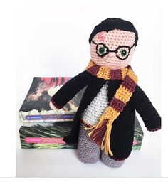 Something wicked this way comes ! Do you want to make your own Harry potter doll ?? Ill show you how in this 8 pages pdf patterns with lots of pictures !