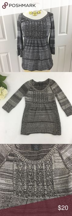 [Calvin Klein] knitted top size Small stay chic with this knit sweater from Calvin Klein Jeans. A scoop neckline and long sleeves keep the style easy and versatile. Would look great with a skinny jeans Calvin Klein Jeans Tops