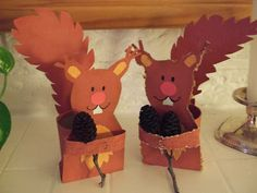 Squirrel Craft- A unique movie night theming idea from Southern Outdoor Cinema Mehr Autumn Crafts, Autumn Art, Autumn Theme, Animal Crafts For Kids, Animals For Kids, Diy For Kids, Squirrel Art, Autumn Activities, Fall Diy