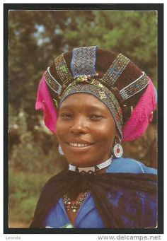 leonito sells an item at a starting price of until Wednesday, 27 May 2020 at CEST in the South Africa category on Delcampe Zulu Women, African Culture, Headdress, African Fashion, South Africa, Captain Hat, Band, Africans, Concept