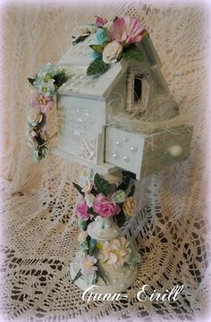 Gunn-Eirill`s Paper Magic: Birdhouse/DT Wild Orchid Crafts