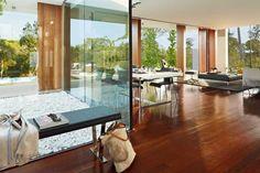 Espagne: la villa Sifera par Josep Camps et Olga Felip Modern Interior, Interior Architecture, Interior And Exterior, Interior Design, Diy Interior, Engineered Wood Floors, Architect House, Modern House Design, My Dream Home