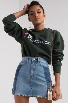 Champion Women's Fleece Lined Long Sleeve Crew Neck Script Sweatshirt in Black, Forest Grove