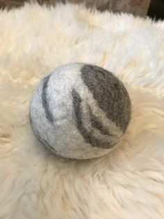Pair of Wool Dryer Balls, felted wool for your natural laundry, reduces drying time