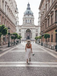 Budapest Travel Guide The Wanderlusters Travel Goals, Travel Packing, Travel Tips, Travel Ideas, Travel Hacks, Travel Usa, Budapest Travel Guide, Hungary Travel, Travel Gadgets