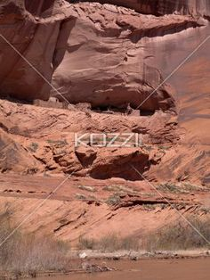 cliff. - Image of a cliff.