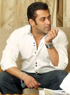 Indian Celebrities, Bollywood Celebrities, Bollywood Actress, Salman Khan Photo, Aamir Khan, Salman Khan Wallpapers, National Film Awards, Movie Teaser, Indian Star