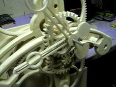 Wooden Gear Clock Construction 2 Wooden Gear Clock, Wooden Gears, Wood Clocks, Handmade Art, Sculptures, Woodworking, Construction, Mobiles, How To Make