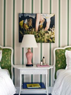 Surprising color combo that we kind of love: green and pale pink! #sharedspace #biggirlroom