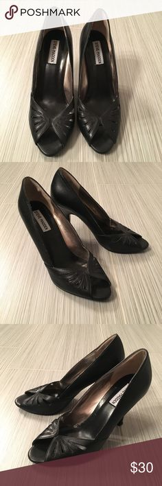 """Steve Madden """"Annette"""" Steve Madden Annette peep toe pumps with cut out detail . 4inch heel. Leather upper Steve Madden Shoes Heels"""