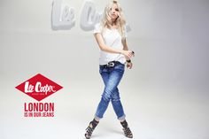 Harem Pants, London, Jeans, Fashion, Harem Jeans, Big Ben London, Fashion Styles, Harlem Pants, Fashion Illustrations