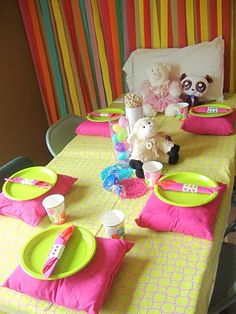 I love the idea of a pajama birthday party, but not sure what to do to keep the kids occupied for 90 mins.