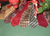 Necktie tree skirt - page has a ton of recycled Christmas crafts