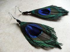 Mandipidy: Tuesday Tutorial: Peacock Feather Earrings