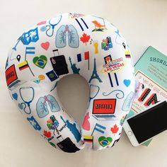 almofada de pescoço personalizada Beauty, Travel, Throw Pillows, Craft, Beauty Illustration