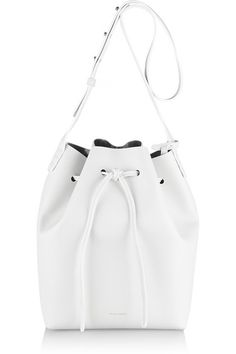 I finally bought myself one of Mansur Gavriel's famous bucket bag!! OMG I cant wait!!! <3